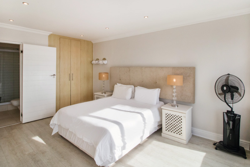 mouille-point-village-bedroom